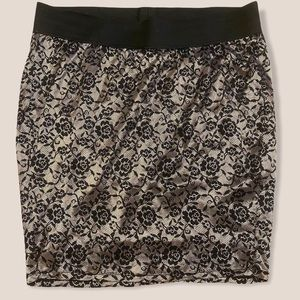 TORRID pull-on lace skirt plus size 3